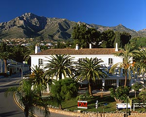 DM Properties introduces The World luxury cruise ship which will be visiting Marbella