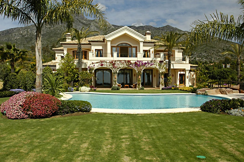 Villas in marbella five for a good showcase for Casa de eventos en ciudad jardin cali