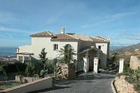 Fantastic New Villa in Los Altos de los Monteros, 1.325.000 €  now!  (reduced from 2.500.000 €)