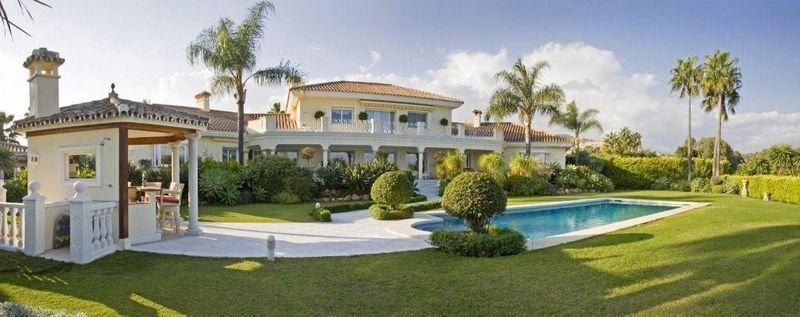 Luxury Villa for sale in La Cerquilla, Nueva Andalucia