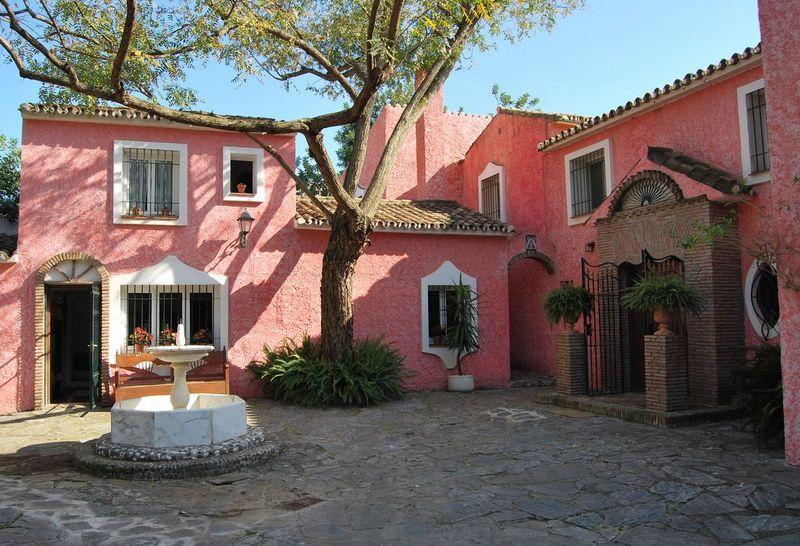 Villa en venta en Marbella Hill Club, Marbella Golden Mile