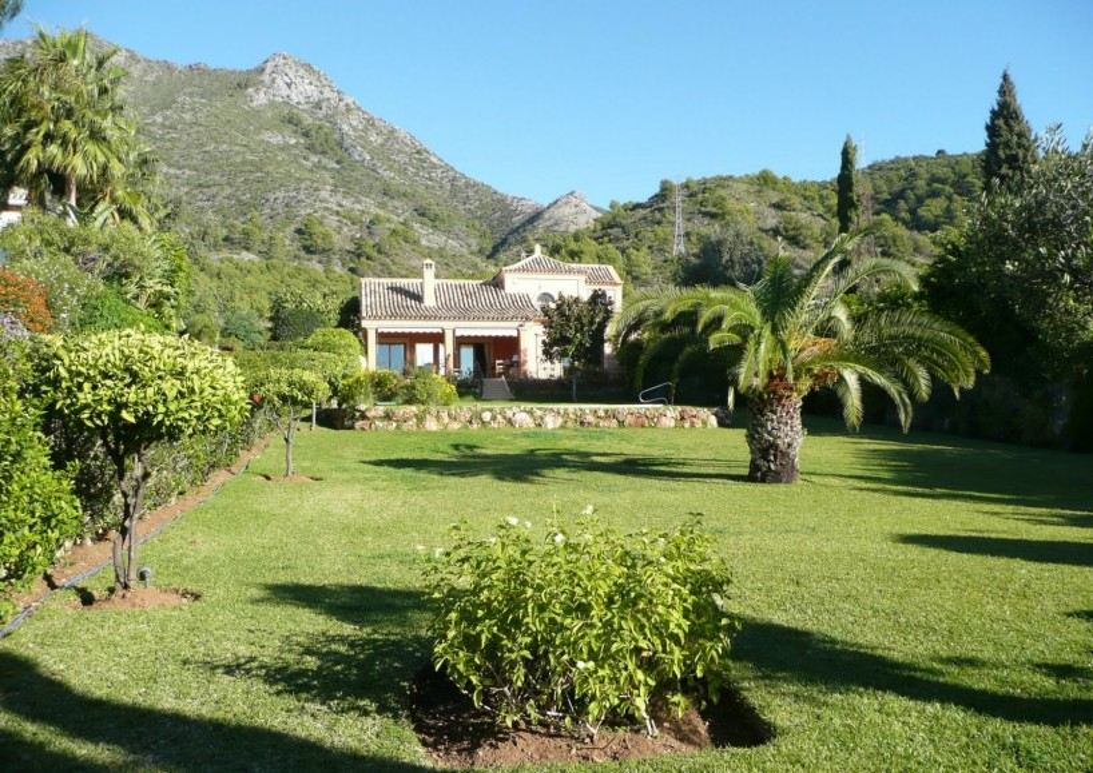 Charming Villa located in Cascada de Camojan, Marbella