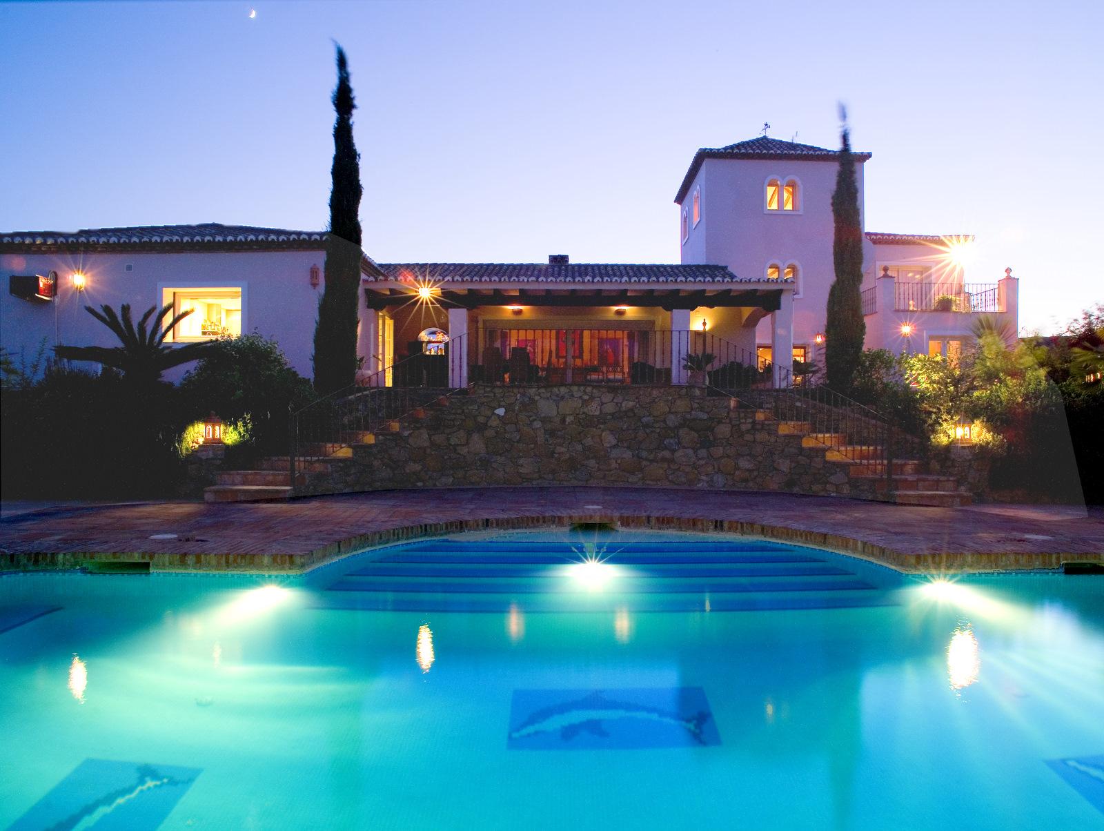 Villa en venta en Cancelada - Foto 1