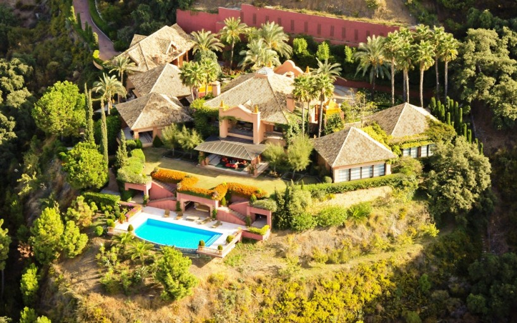 Villa of extraordinary quality for sale in La Zagaleta, Benahavis