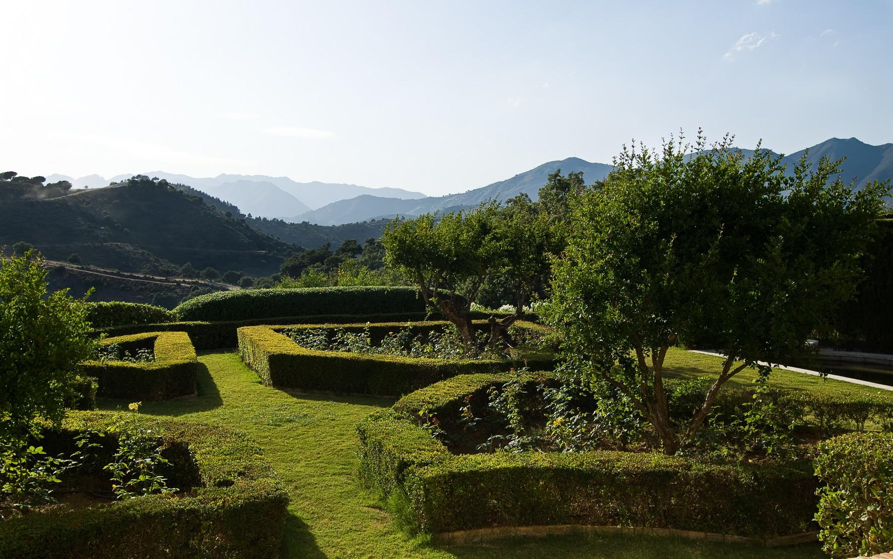 Villa con jardín en La Mairena Marbella