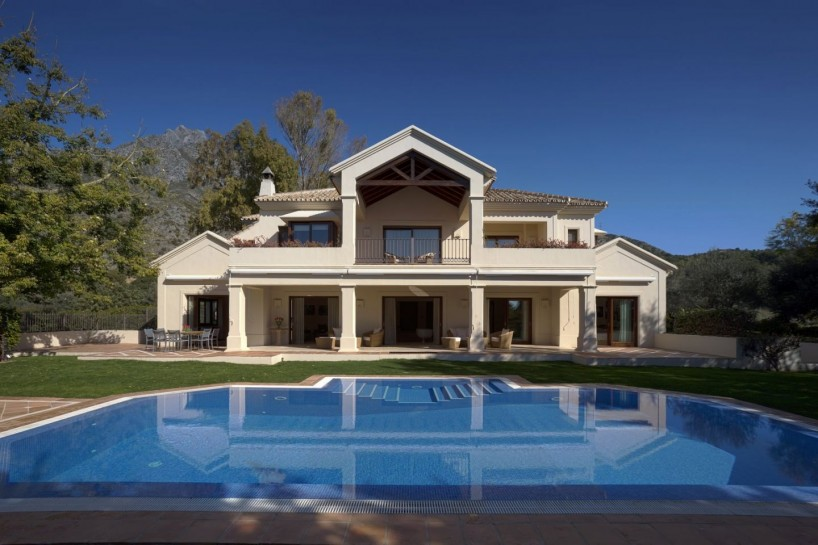 On the edge of nature, Villa in Los Picos, Marbella