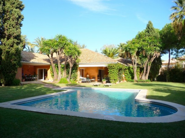 Guadalmina Baja, House for sale