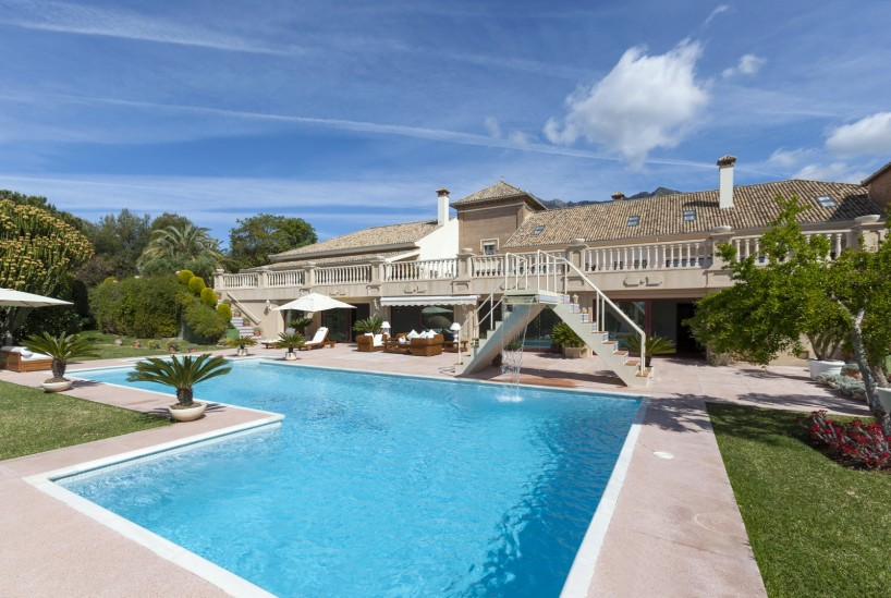 Outstanding Residence With Spectacular Views for sale in Altos Reales, Marbella Golden Mile