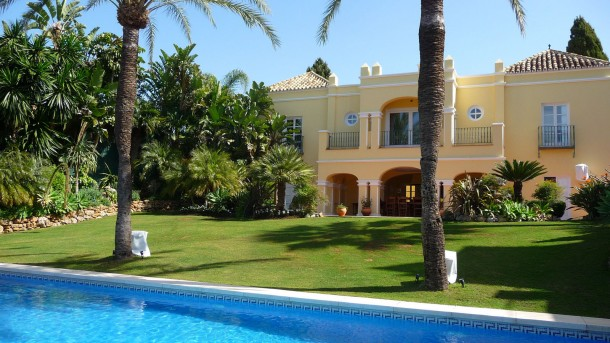 Gorgeous Family House for rent in Marbella