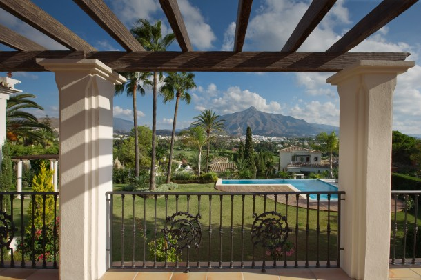 Villa for sale in Nueva Andalucia, Views