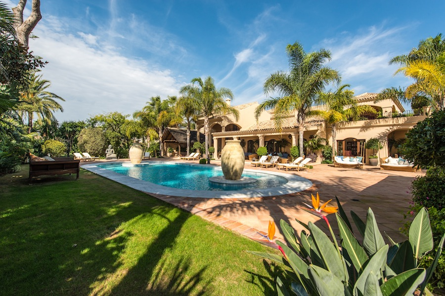 Villa for sale in Los Monteros Playa Marbella