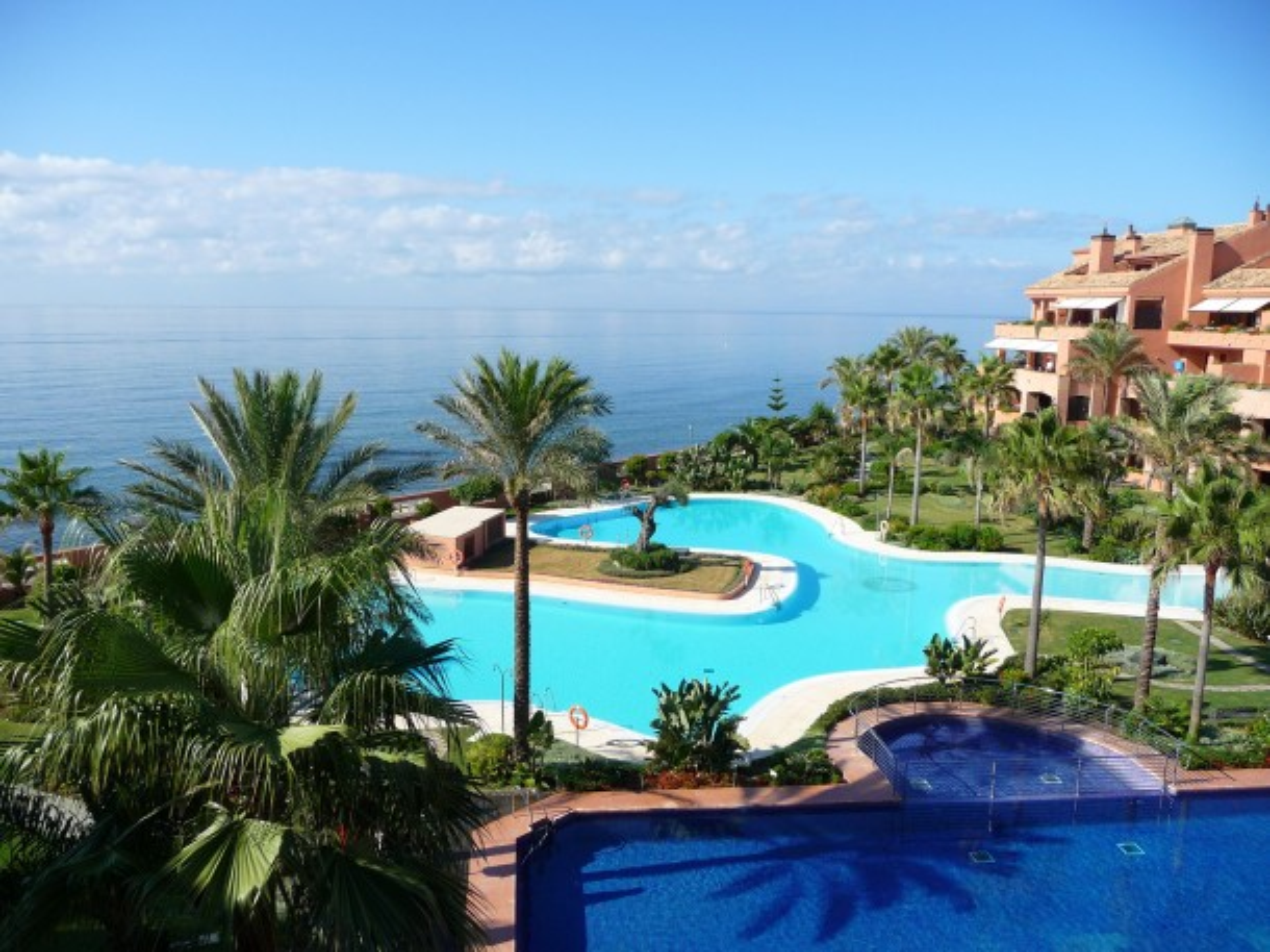 Beachside living in Marbella