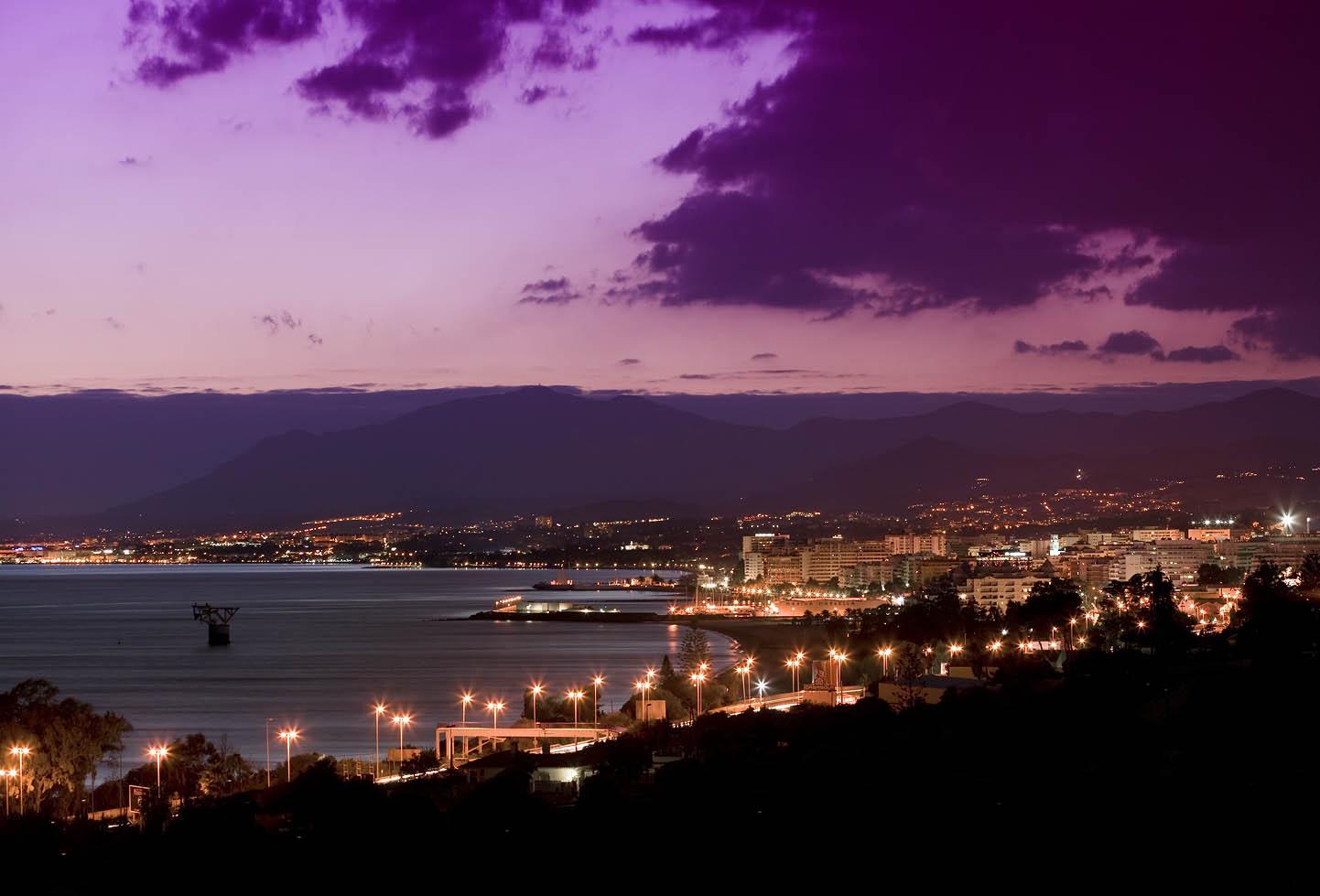Vista Nocturna de Marbella