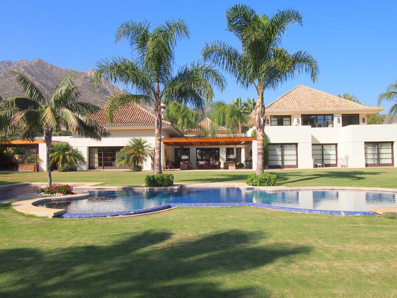 Impresionante Villa en Codiciada Ubicación, La Quinta de Sierra Blanca, Marbella