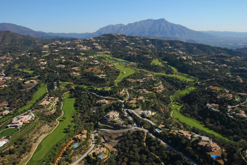 Marbella's country club lifestyle