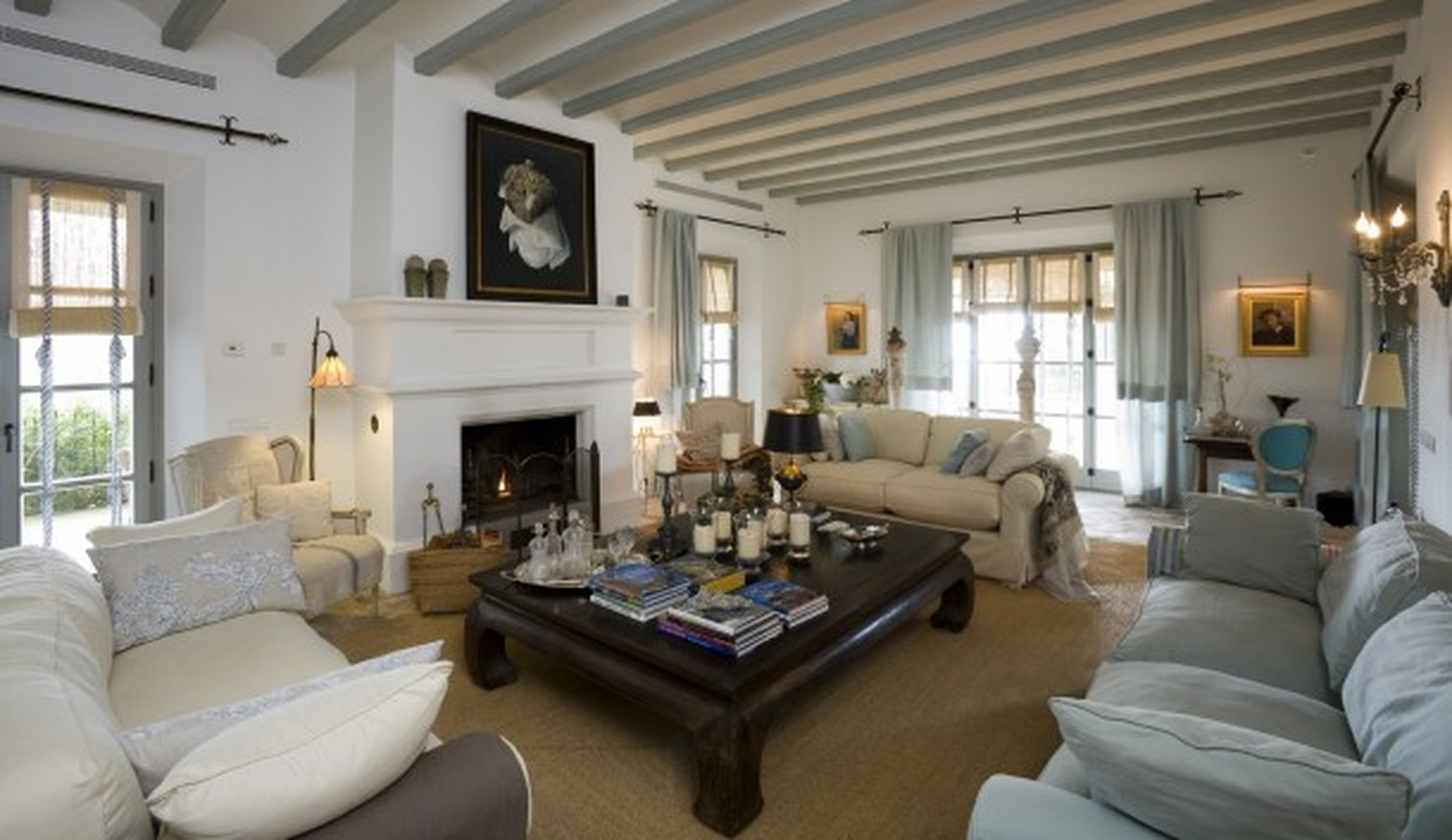 Villa with fireplace in Benahavis