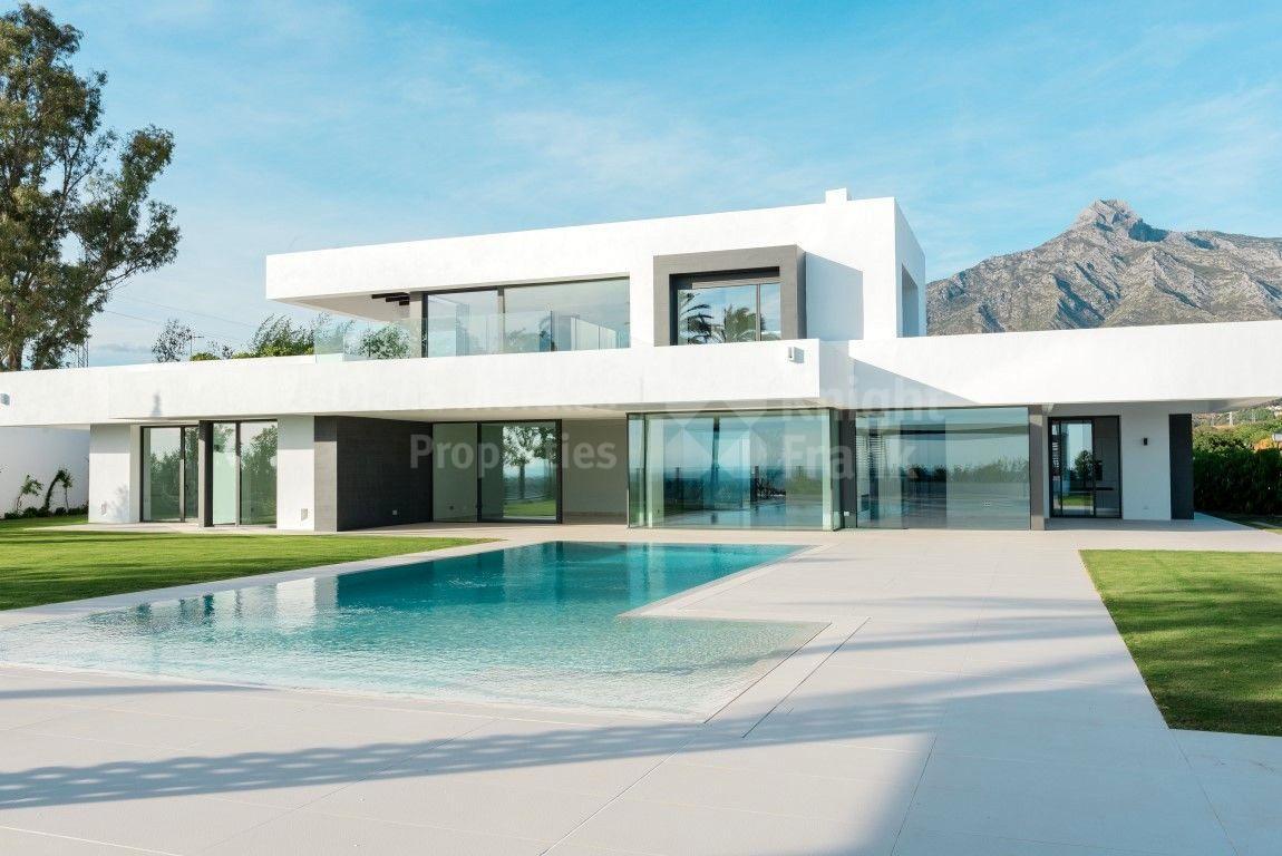 Villa de estilo Moderno en La Milla De Oro