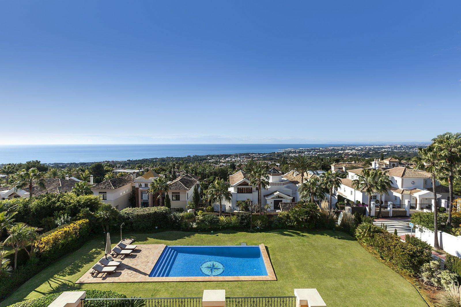 Sierra Blanca: urbanización privada en las colinas de Marbella