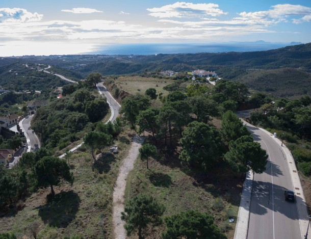 Plot of building land close to Marbella with Sea Views