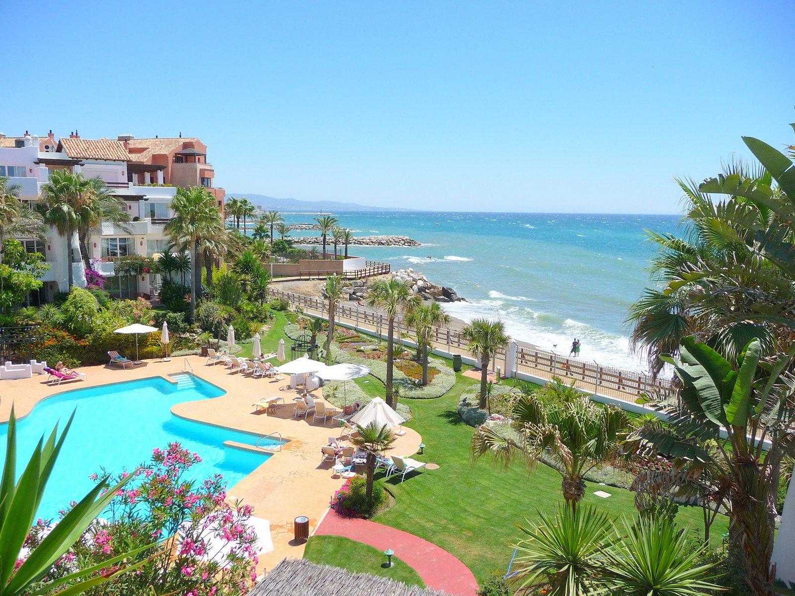 Duplex Penthouse Right on the Sea, Marbella