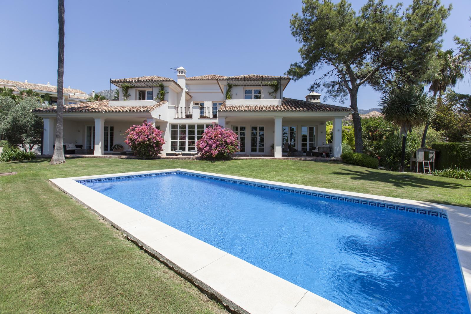 Villa Marbella Golden Mile Security Altos Reales Sea Views