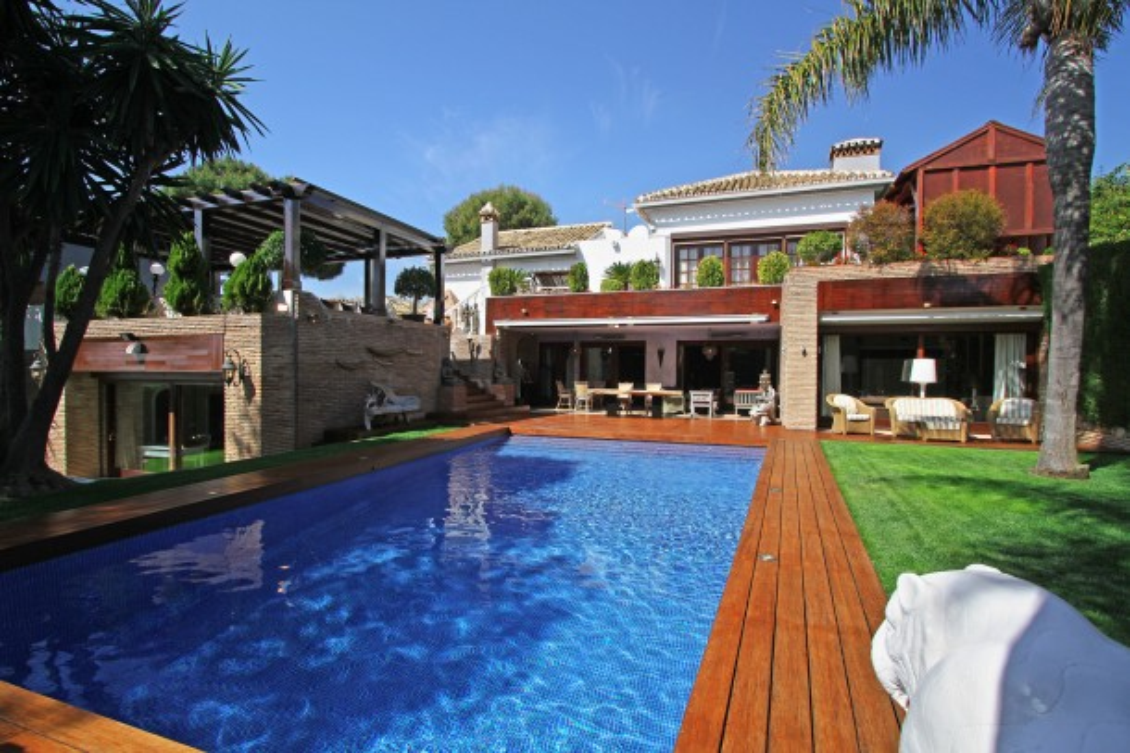 Villa en zona prestigiosa, Hacienda las Chapas Marbella