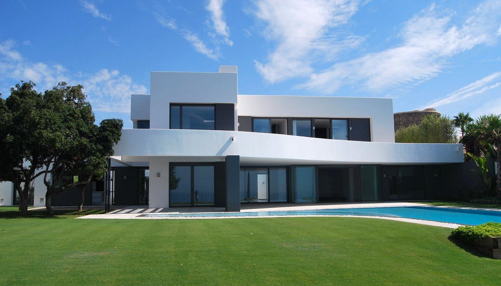 Stunning frontline beach villa in Los Monteros