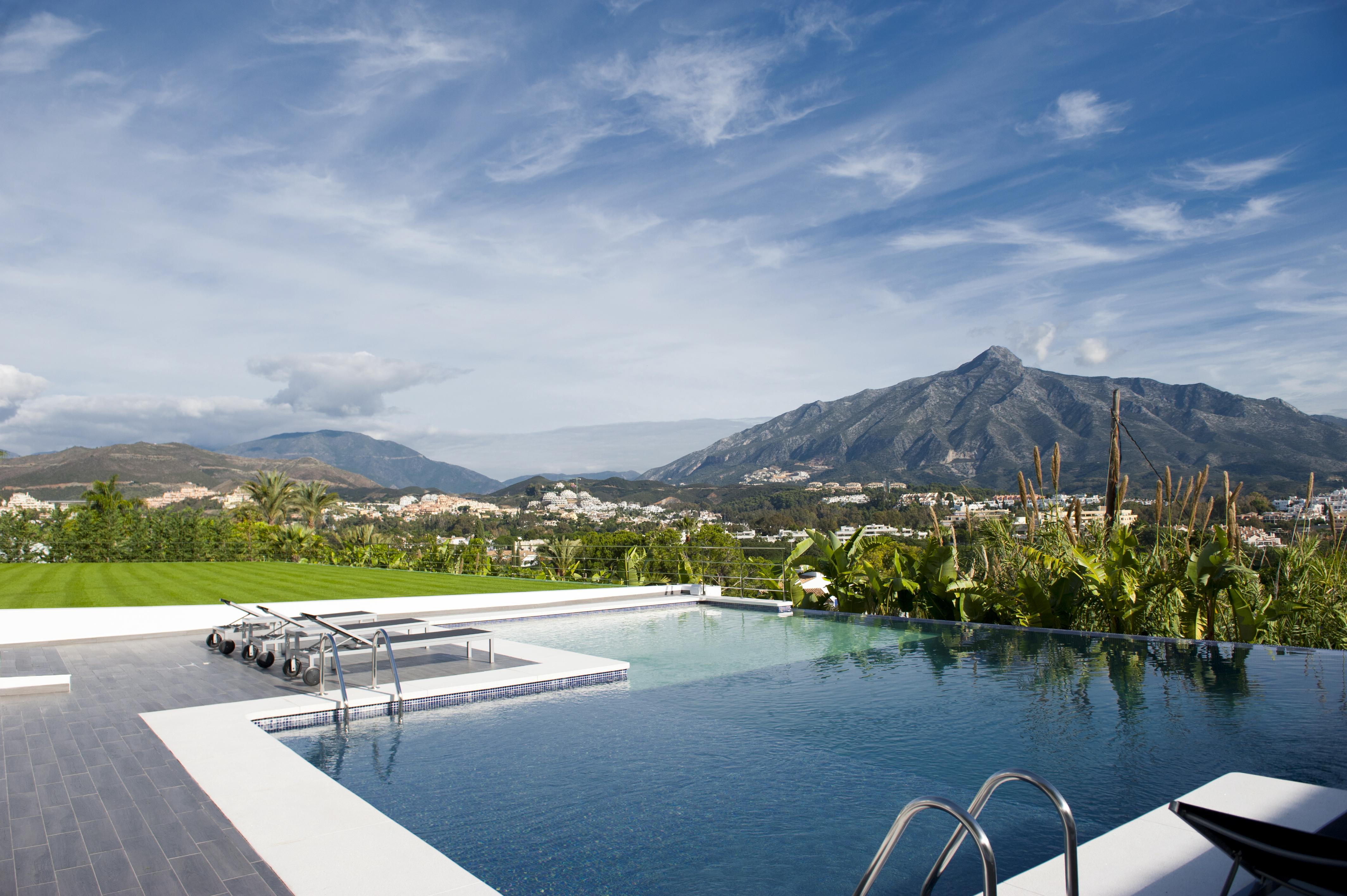 Marbella a town for all seasons - Iproperty marbella ...