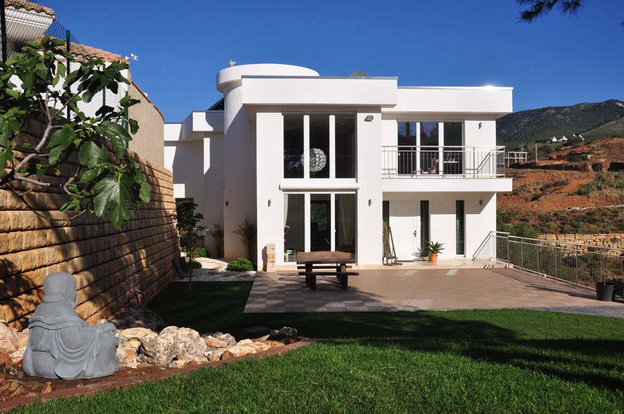 Modern, comfortable and sustainable property