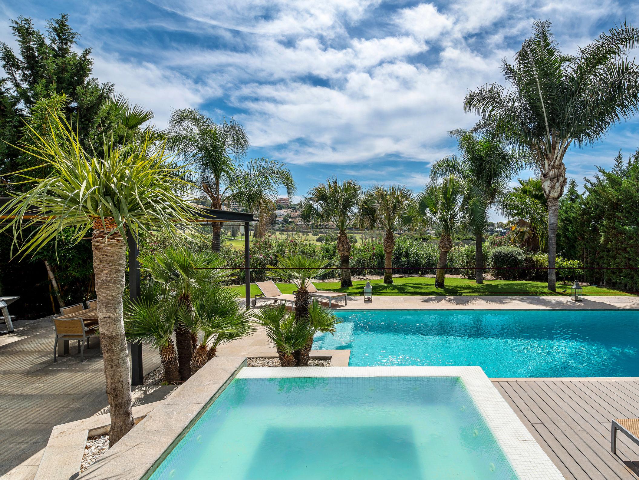Impressive golf villas in Nueva Andalucía