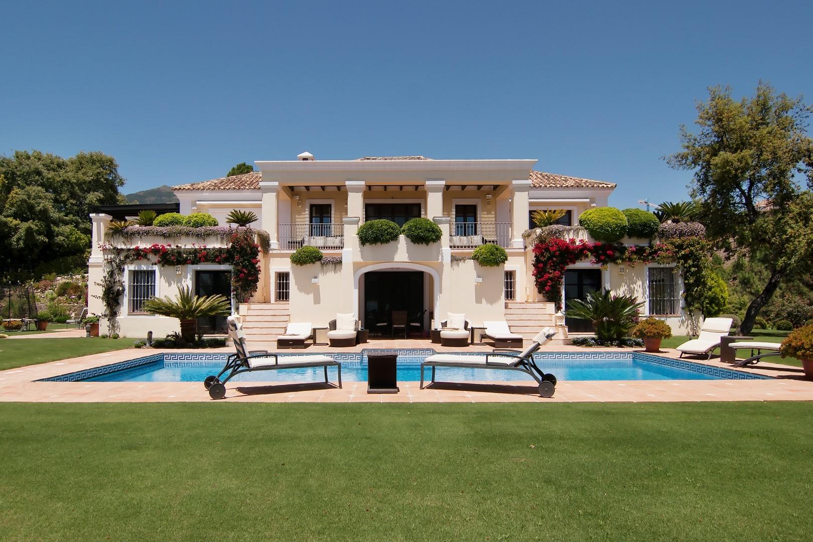 Villa con estilo, confort y pedigrí y en La Zagaleta