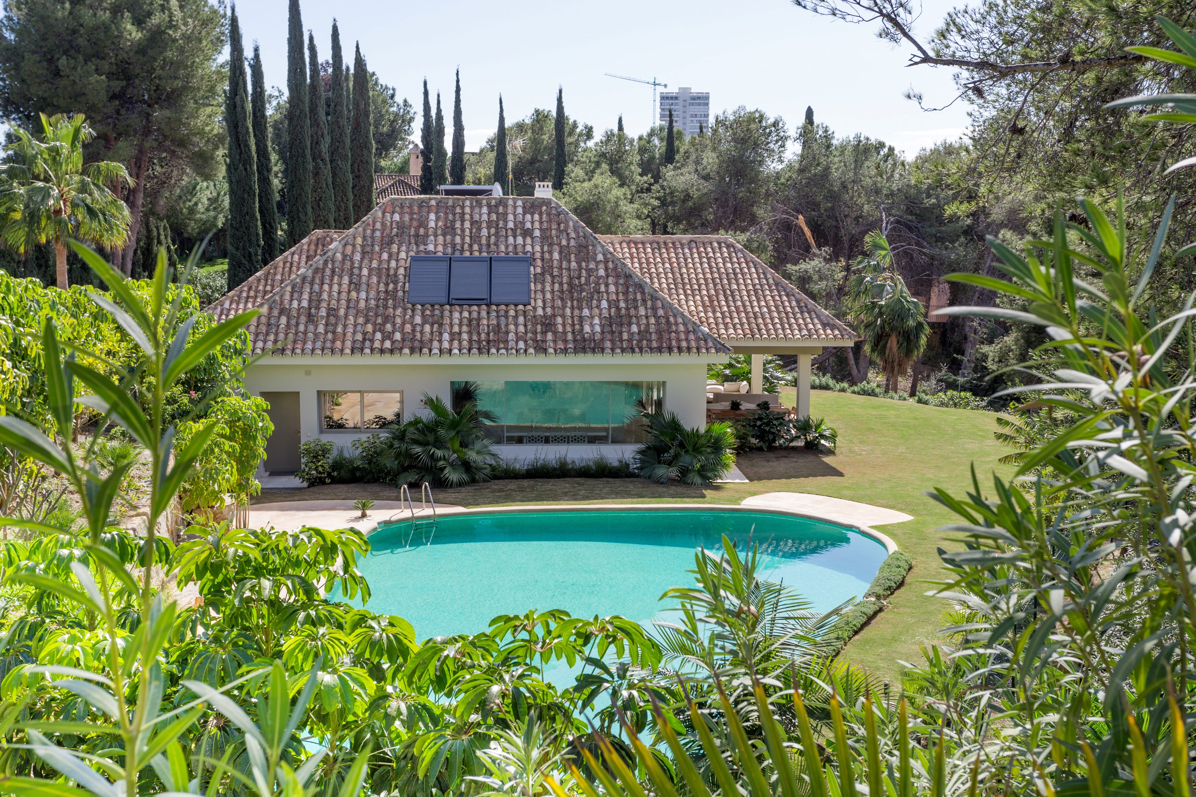 Priced to sell: 5-bed Frontline golf villa in Rio Real 1.975.000€