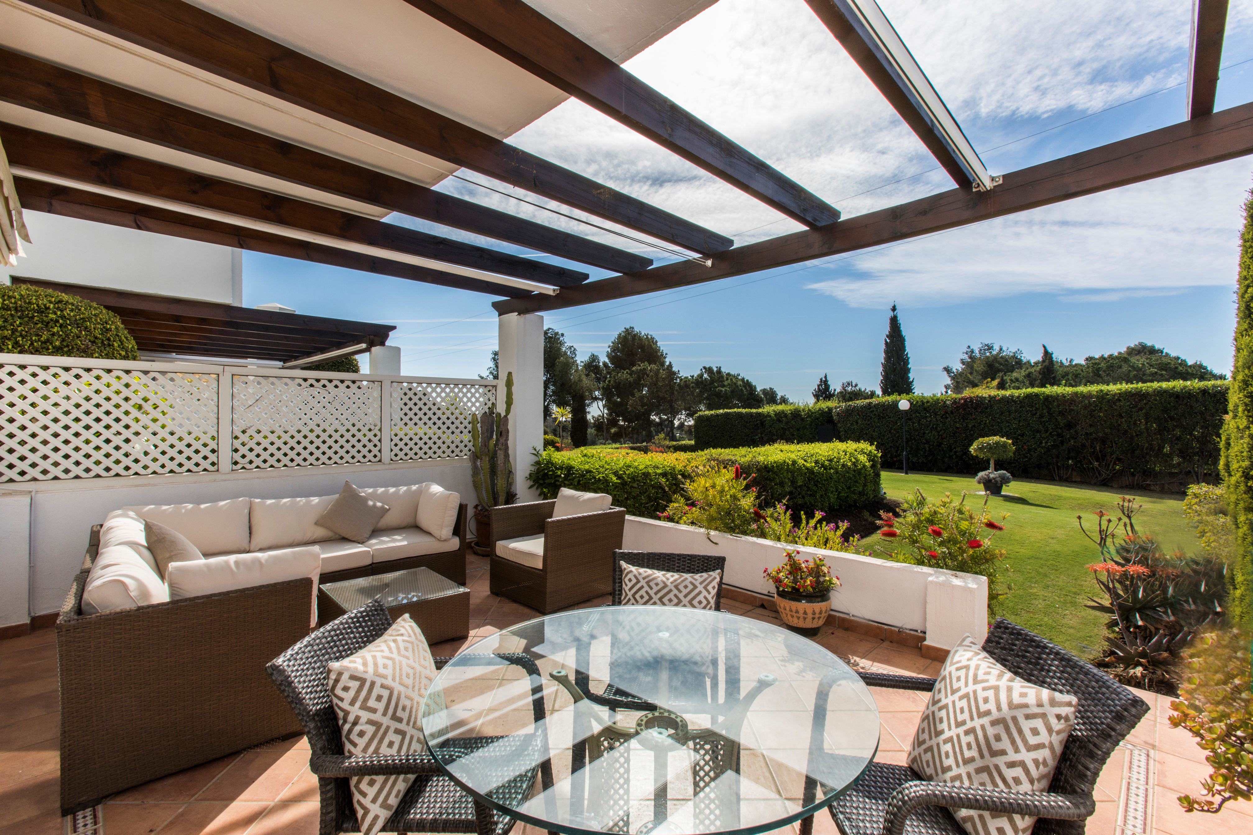 Exceptional Frontline Golf Townhouse, golf and sea views. Aloha (Marbella)