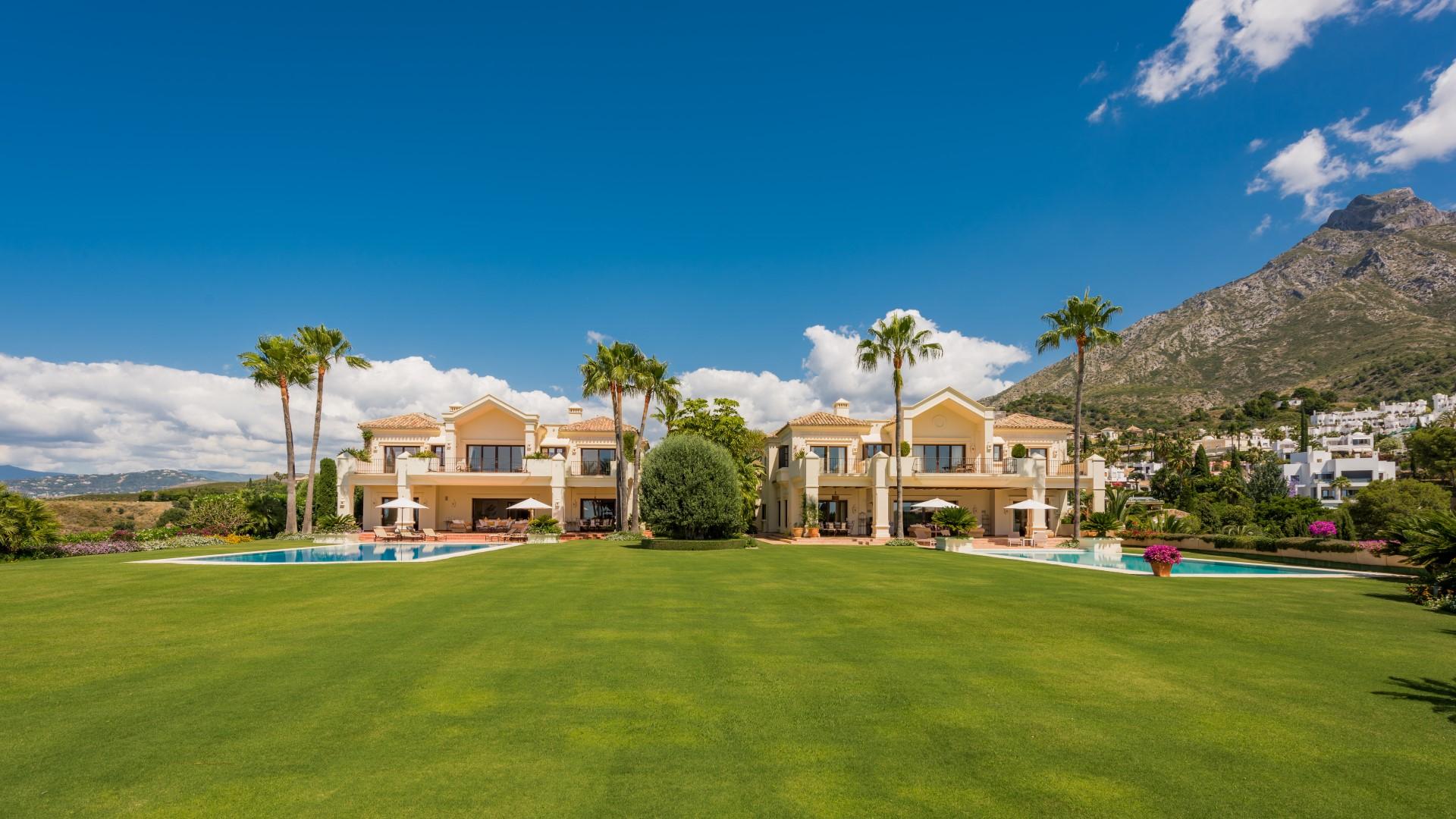 Rare and unique: Two twin villas in Marbella's Golden Mile