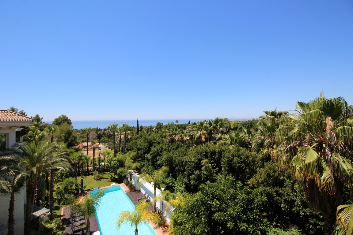 Our property of the week: Duplex Penthouse in Nagueles, Marbella Golden Mile