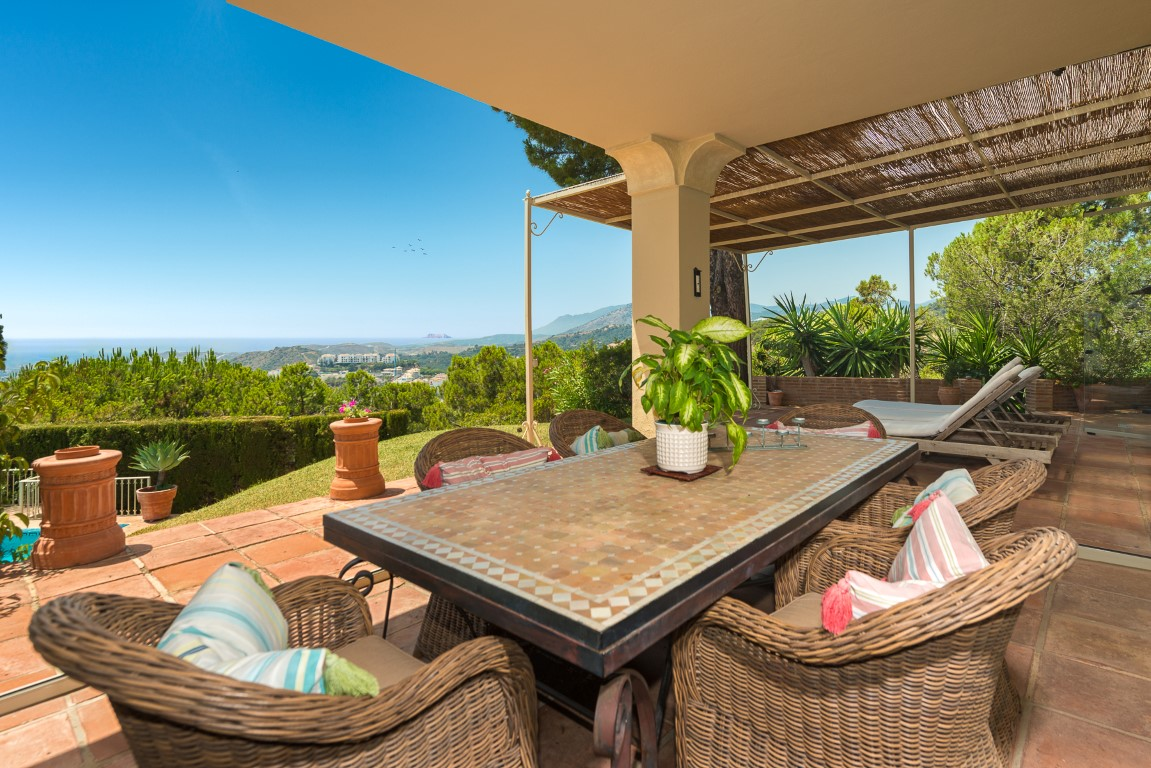 Our property of the week: Elegant villa with sea views in El Madroñal