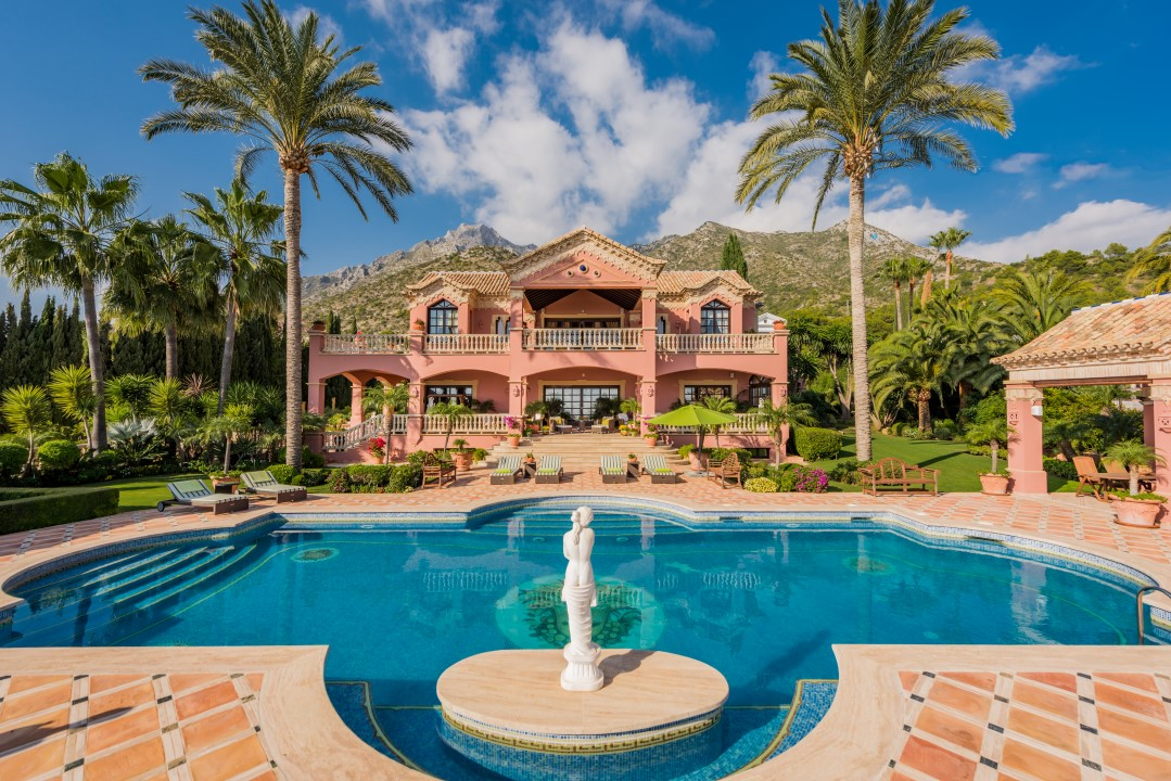 Our property of the week: Luxury on a Sumptuous Scale in Sierra Blanca, Marbella.
