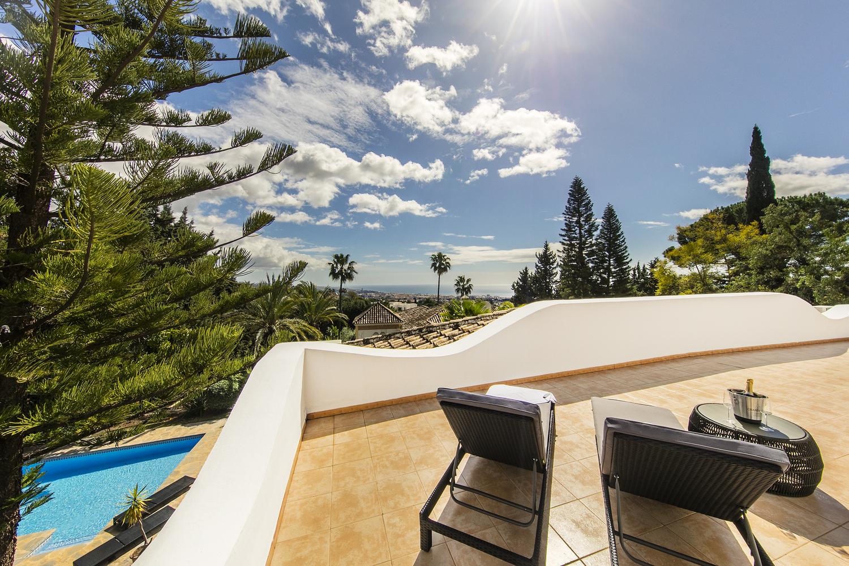 Spectacular and Charming Villa in Cascada de Camojan, Marbella