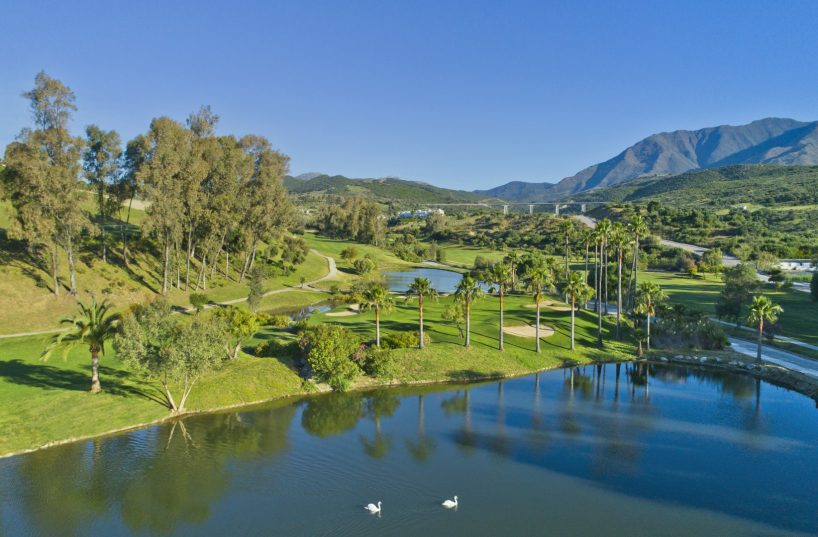 Frontline golf properties in Estepona – spoilt for choice
