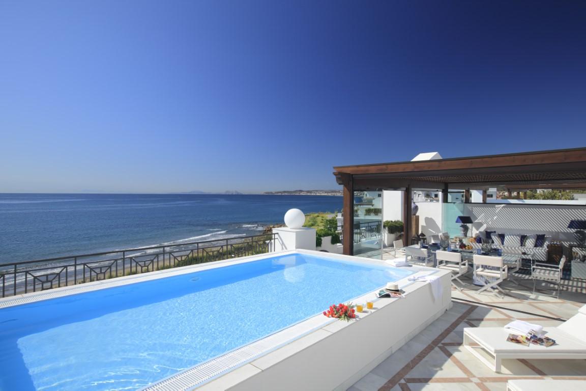 Beachside apartments in Marbella, Puerto Banus and Estepona