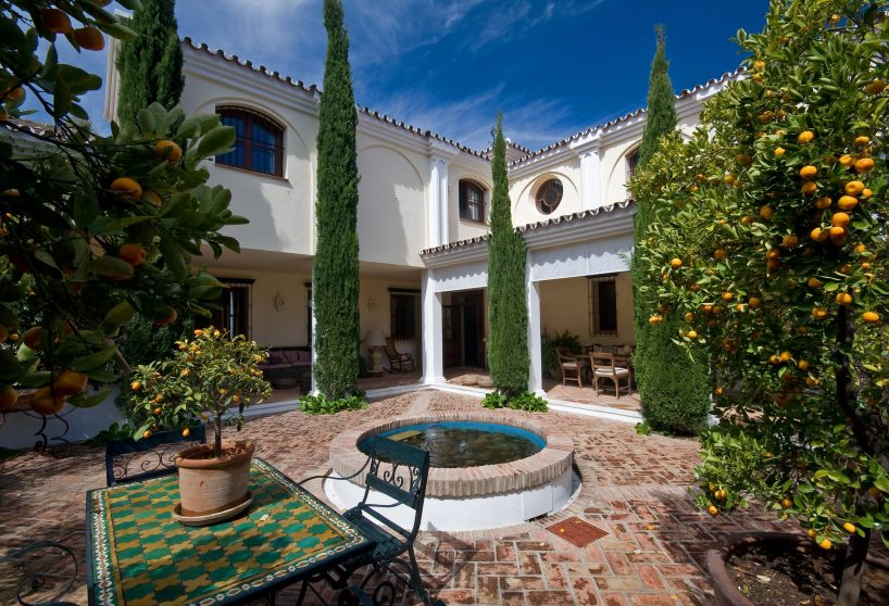 The charm of Andalusian style villas in Marbella