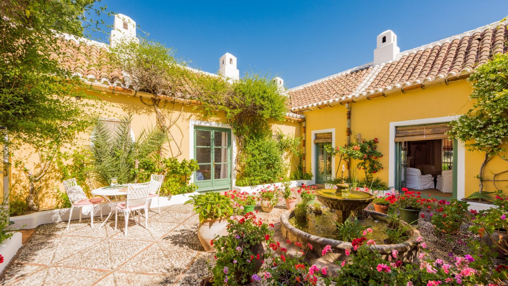 The charm of Andalusian style villas