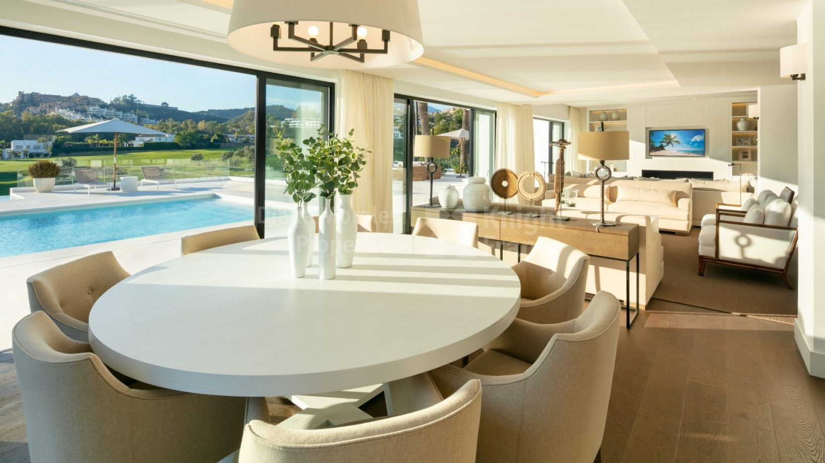 Open-plan living in Marbella