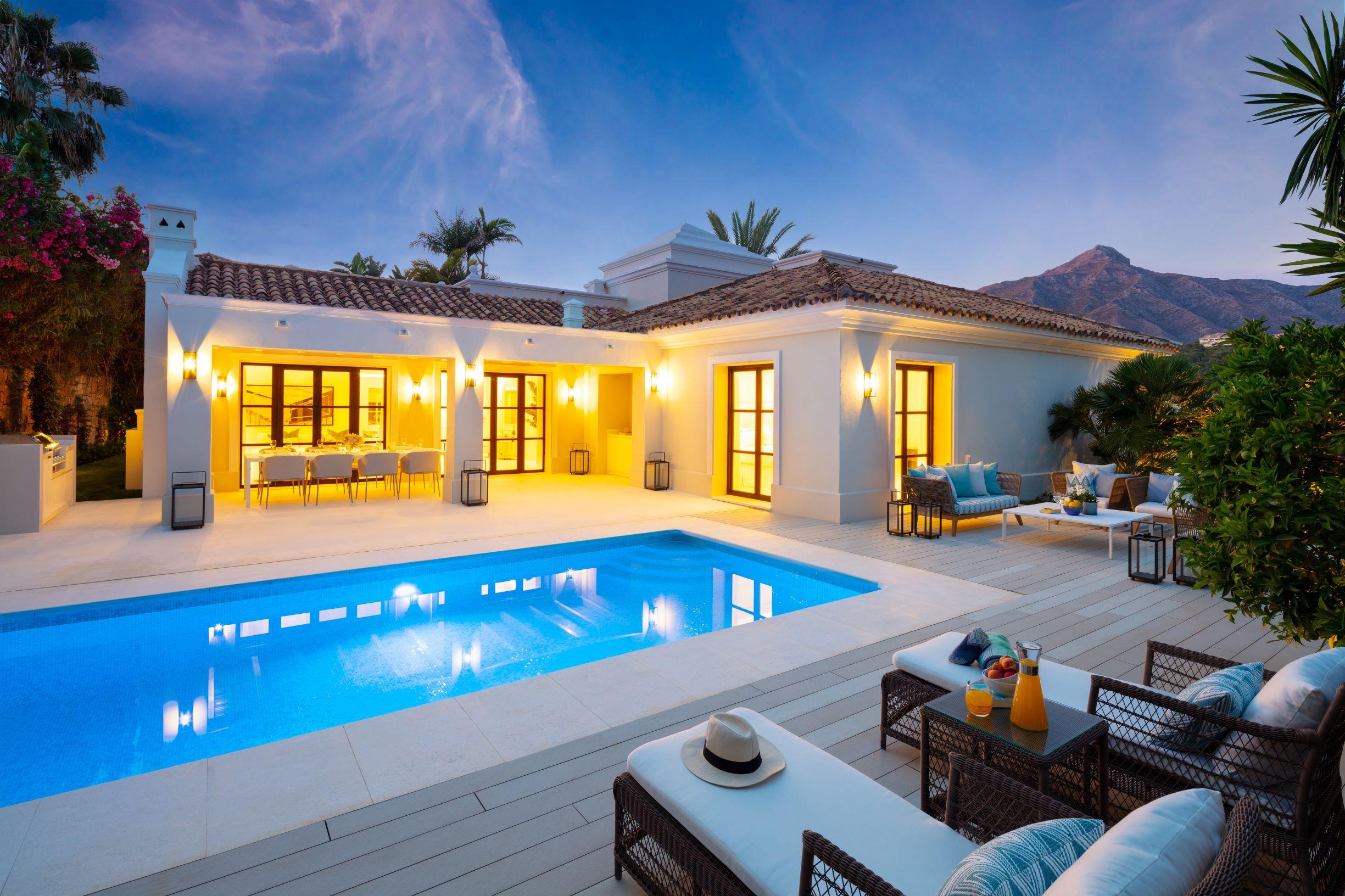 Stylish new villa in las Brisas