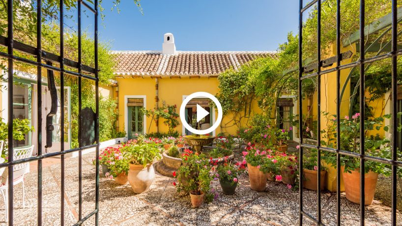 New video: Characterful country estate close to Marbella