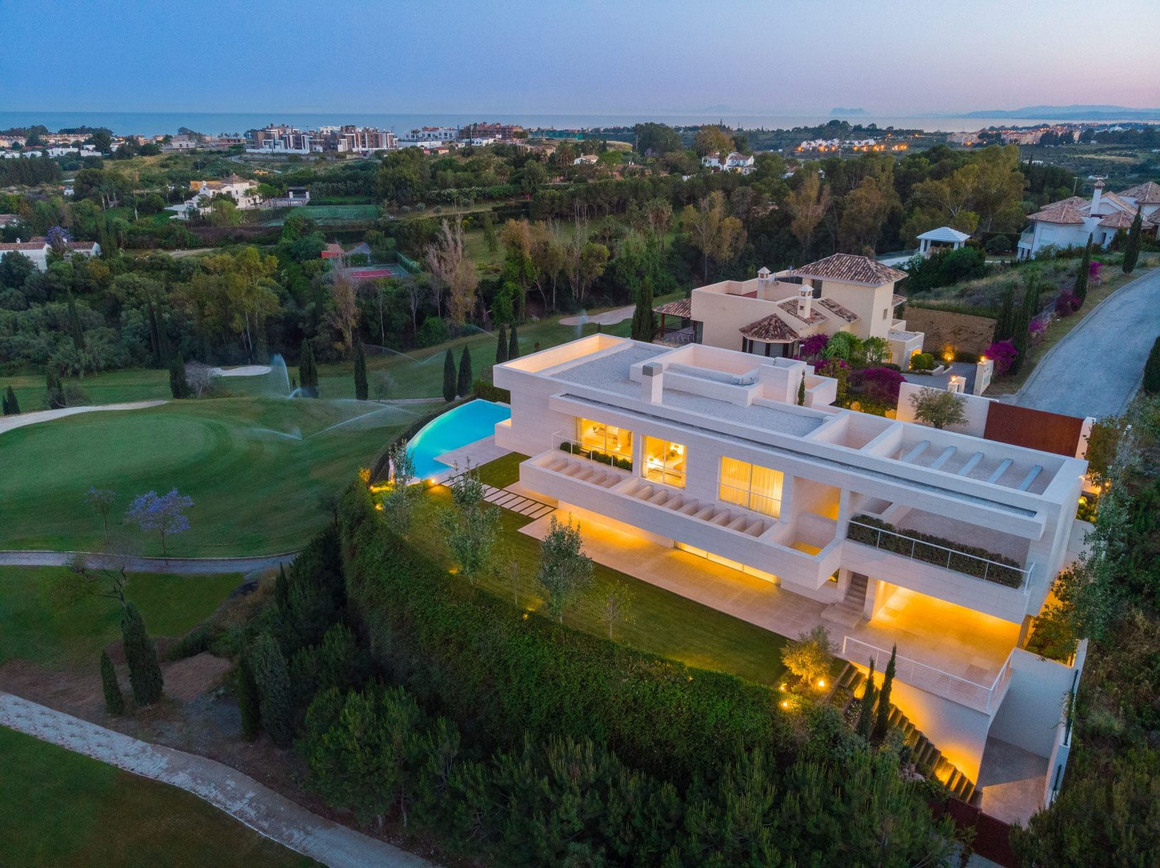 Contemporary frontline golf living, Marbella