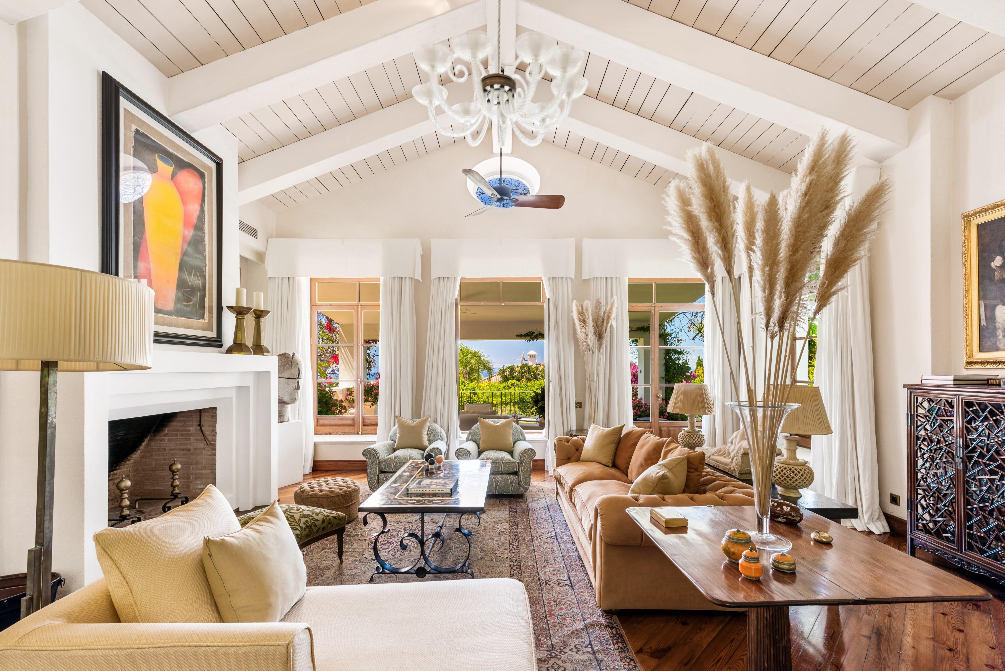 Distintictive villa for sale in Sierra Blanca, Marbella